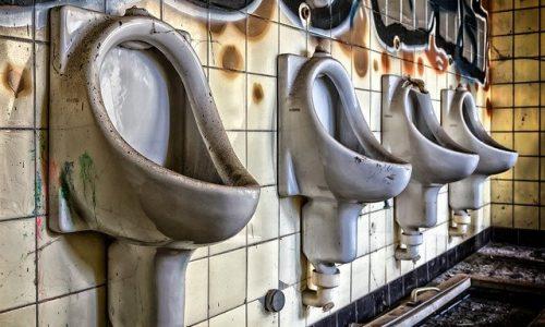 Rimozione e installazione di una toilett